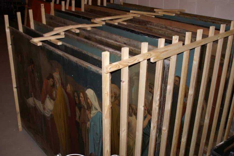 Staties in opslag bij Cor Schrama in afwachting van restauratie.